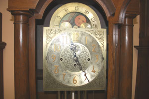 how to set moon dial on grandfather clock