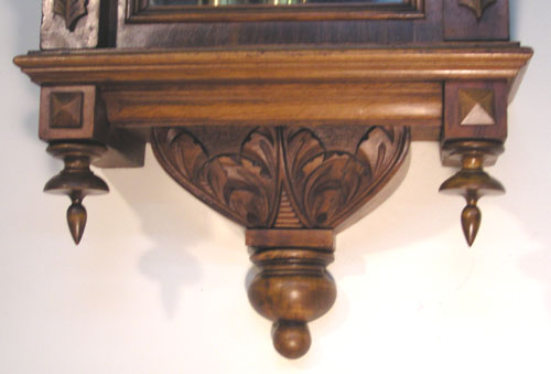 BEAUTIFULLY CARVED BASE AND FINIALS