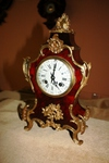FRENCH MANTEL CLOCK IN TORTOISESHELL AND GILT